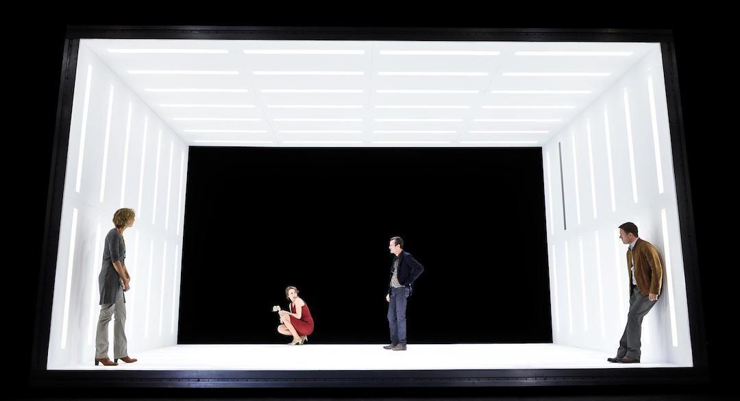 Peggy Pickit sieht das Gesicht Gottes Cuvilles Theater   Foto: Arno Declair