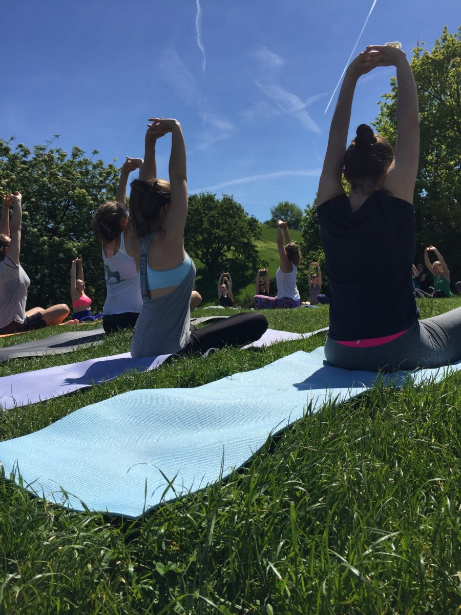 Popup Yoga auf dem Olympiaberg