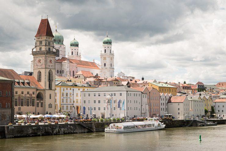 Rathausplatz und Dom in Passau - #WirEntdeckenBayern - ISARBLOG