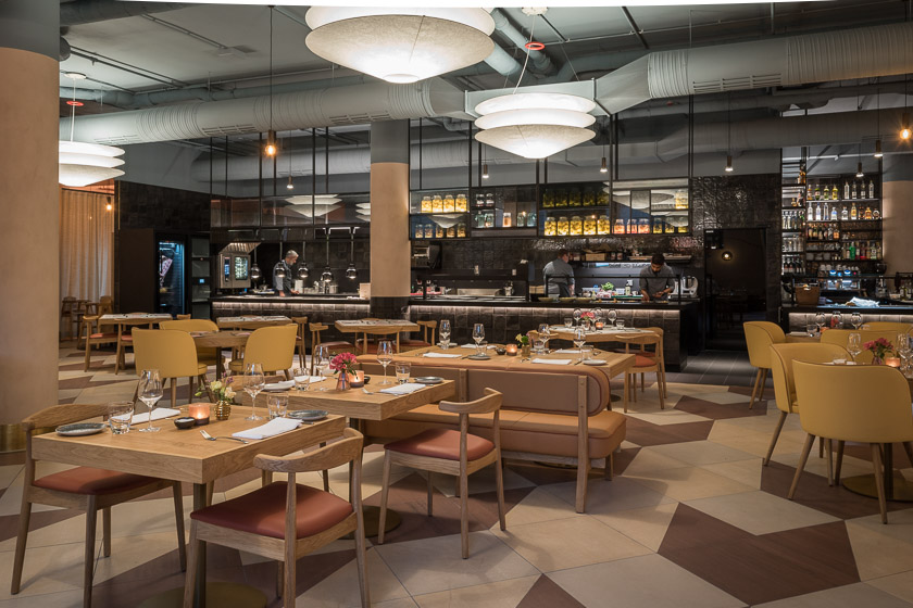Mona Restaurant München Hilton City Munich